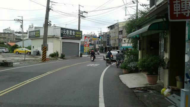 大灣廟三角窗金店,台南市永康區民族路