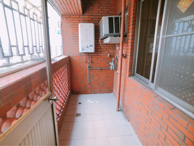 東區優質四房+車位,台南市東區中華東路三段