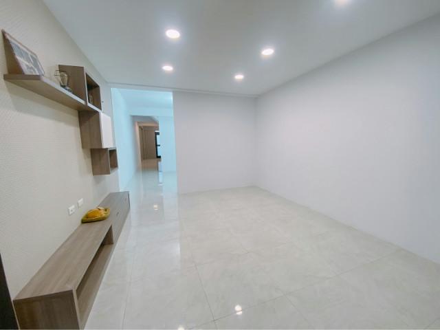 新東區車庫透天,台南市仁德區成功二街