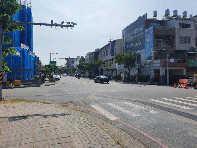 大橋絕版金鑽店面,台南市永康區東橋一路
