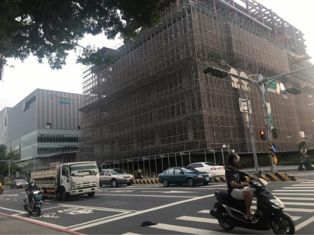 國賓影城金店面,台南市東區莊敬路
