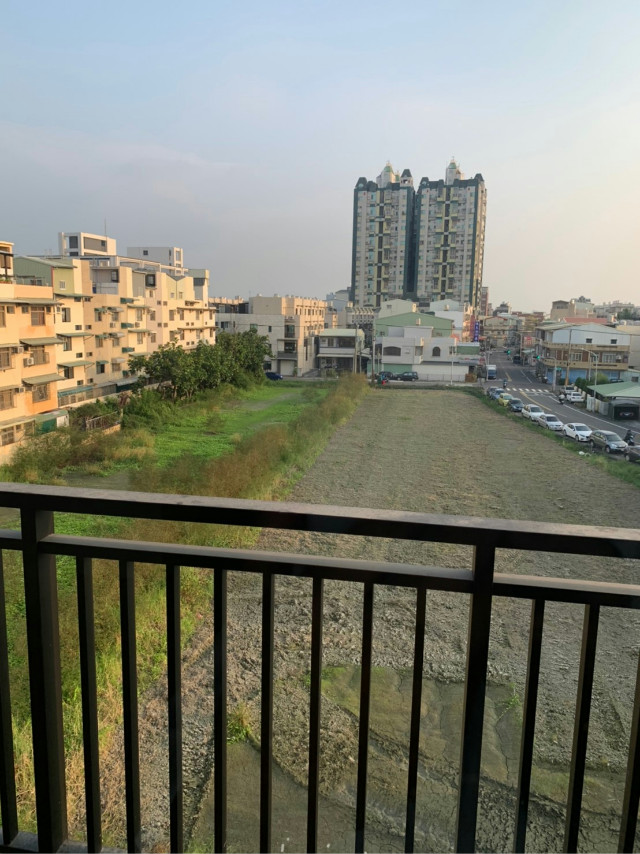 ⓃⒺⓌ 大灣高中雙車墅,台南市永康區大灣路