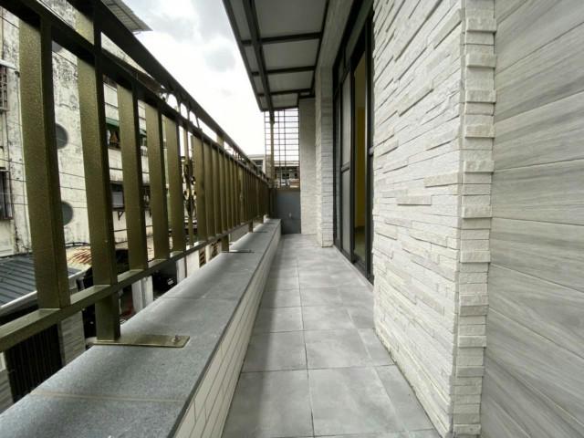日新國小輕齡車墅,台南市南區鹽埕路