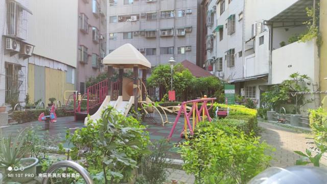 新興國小套房,台南市南區新興街
